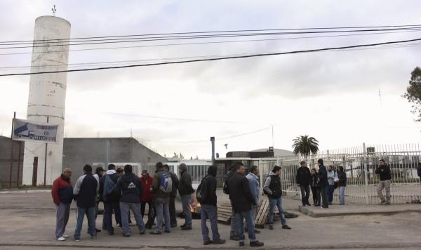 Trabajadores de la ex Petinari. Fotos: Néstor Saracho