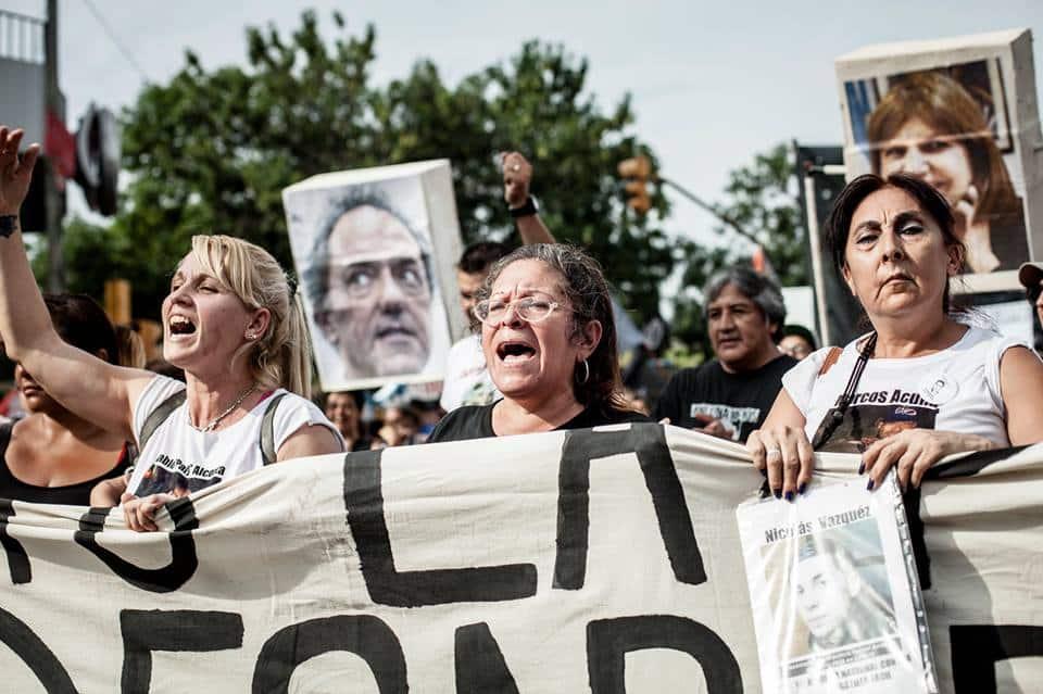 10 años sin Luciano Arruga  la marcha que hermana todas las luchas ... fde94ad6f24